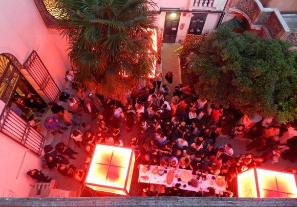 Party im Hof des deutschen Pavillon von sehw architektur auf der Biennale 2016 in Venedig.