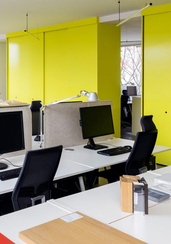 Arbeitsplatz im Büro von sehw architektur.