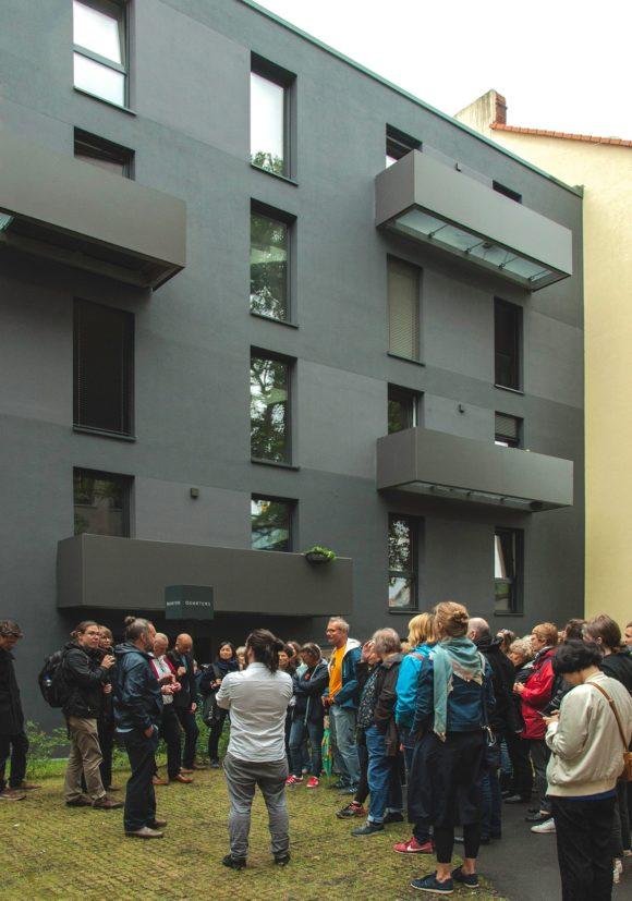 Besichtigung mit Xaver Egger des Wohngebäudes in der Stromstraße im Rahmen des Tages der Architektur 2018 in Berlin.