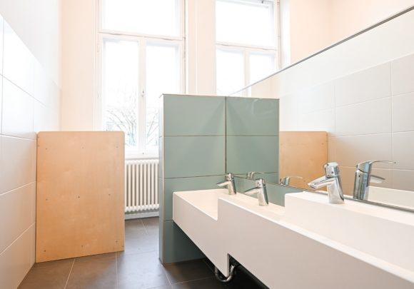 Sanitärbereich des Kindergartens Wirbelwind in Berlin.