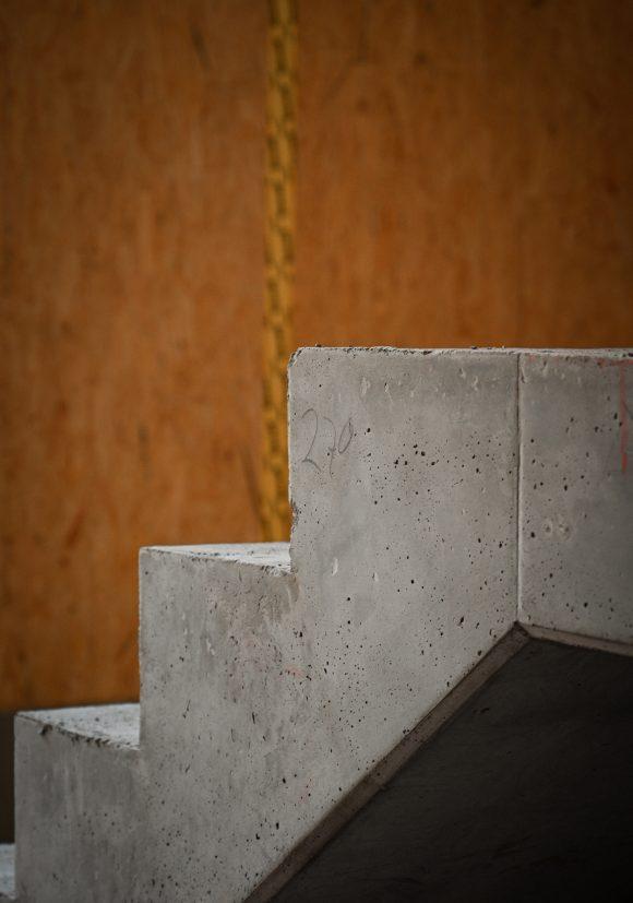 Treppendetail von der Baustelle des Wohnhauses in Alt-Reinickendorf 54 Berlin.