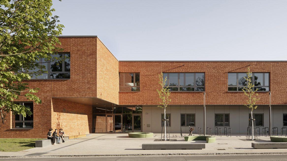 Vorplatz der Grundschule am Jungfernsee, Potsdam.