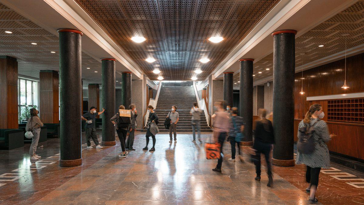 Mitarbeiter der Sehw Architektur im Funkhaus in Berlin.