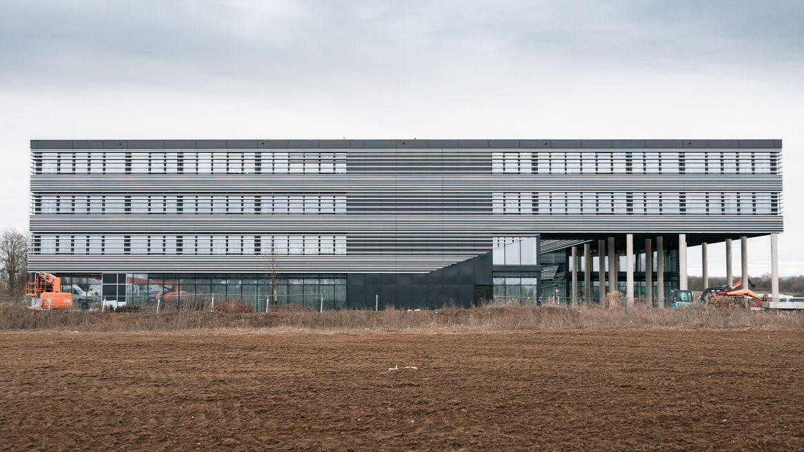 Fassade des Verwaltungsgebäudes für die Leitwerk GmbH in Augsburg.